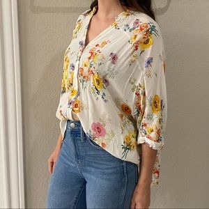 Zara Floral Buttondown Top (tiny staining) Size S